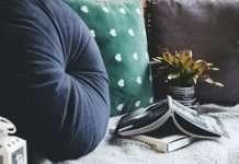pillows-poem-by-krishna-hinagne