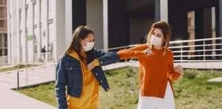 women-in-masks-covid-19