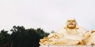 gold-buddah-statue
